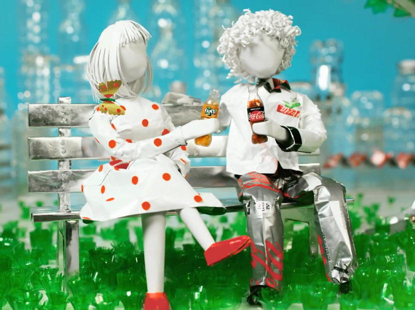 A Recyclable Love Story from Coca-Cola