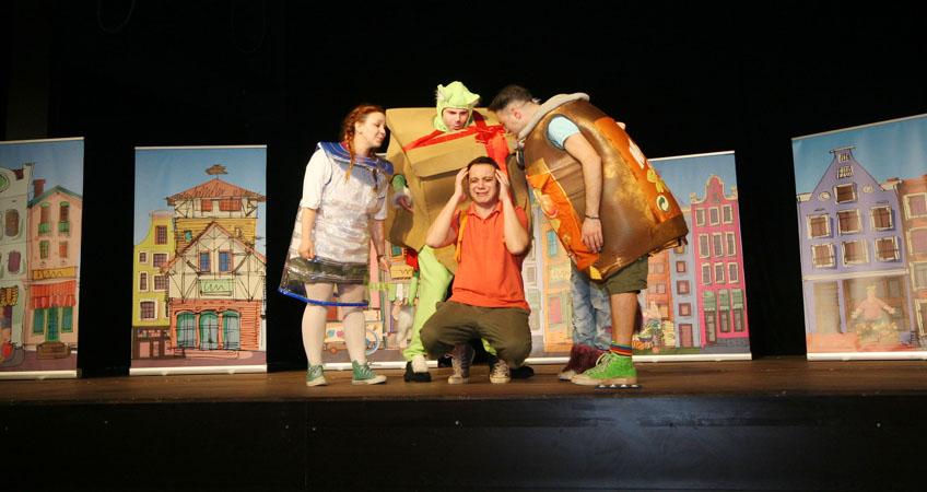 ÇEVKİ Çocuk Tiyatrosu, Antalya Turnesini Tamamladı